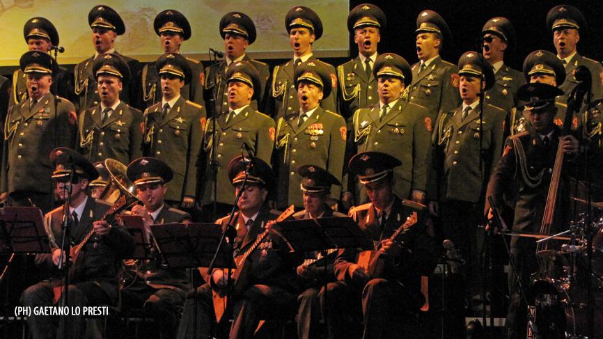 Il coro aleksandrov dell armata rossa la colonna sonora - La porta rossa colonna sonora ...
