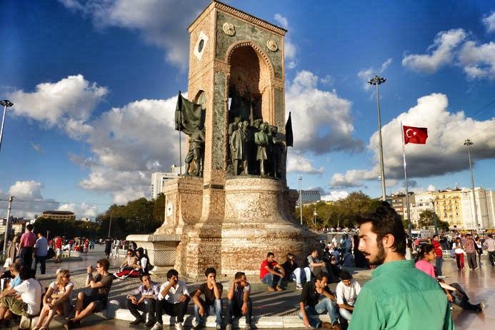 1 Piazza Taskim IMG_3322