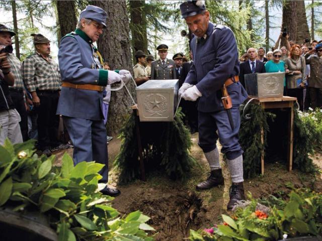 1 Funerale ok foto
