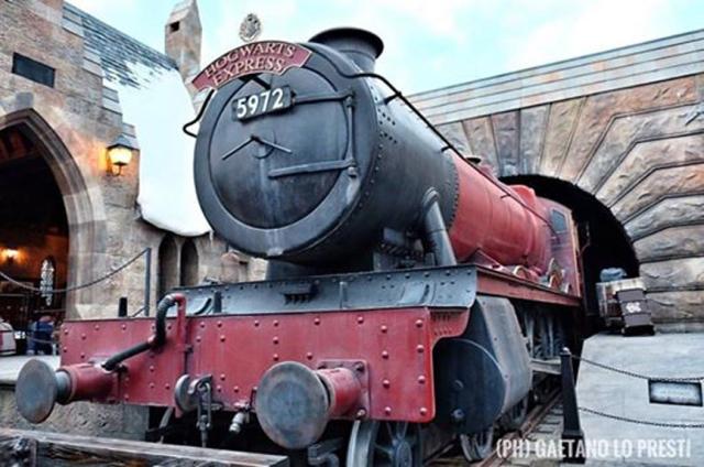 1 Hogwarts Express _959956236412150628_n.jpg